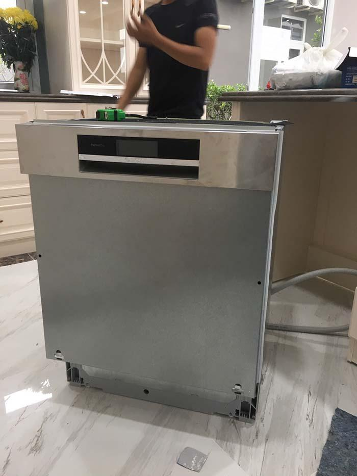 Lắp đặt Máy rửa bát Bosch Series 8 cho nhà chị Vân Anh tại Hồ Chí Minh
