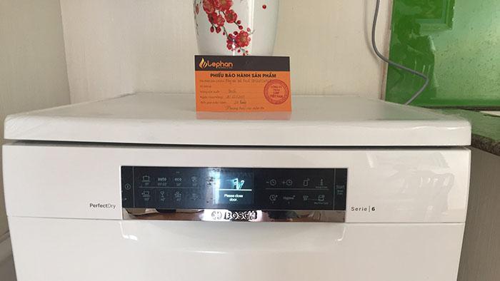 Lắp đặt thực tế máy rửa bát bosch sms68tw06e series 6 sấy khô zeolith